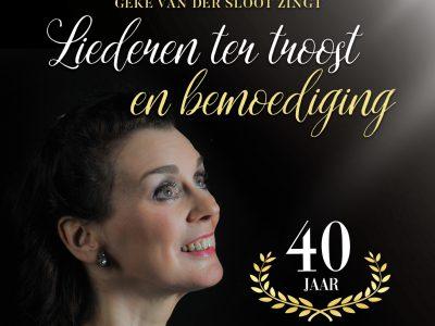 Geke van der Sloot zingt liederen ter troost en bemoediging
