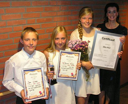 Diploma's voor drie leerlingen